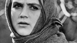 Ирина — уроженка Магнитогорска, родилась в творческой семье актеров.