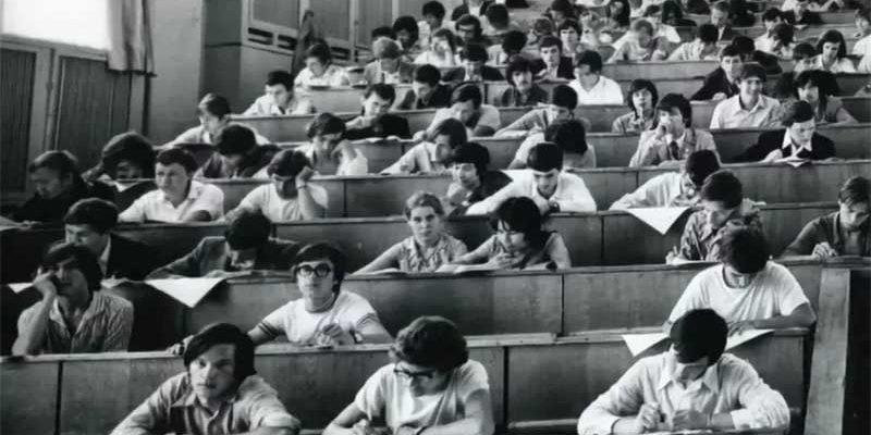 Каким было обучение в вузе в СССР и чего боялись выпускники