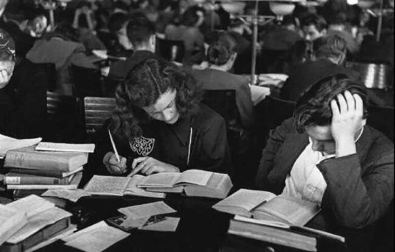 Практически все студенты, прибывшие на учебу в крупные города, проживали в вузовских общежитиях.