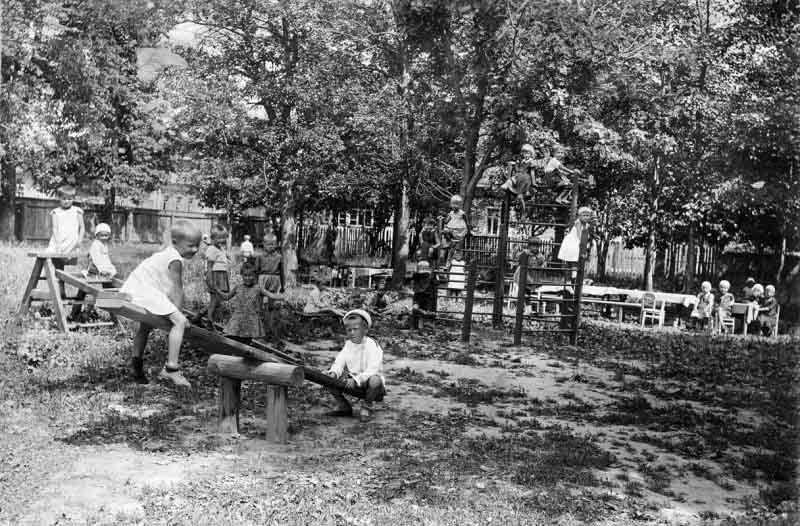 Детские площадки эпохи СССР