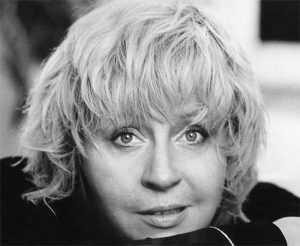 Осенью 2012 года из жизни ушла заслуженная артистка РФ Марина Голуб