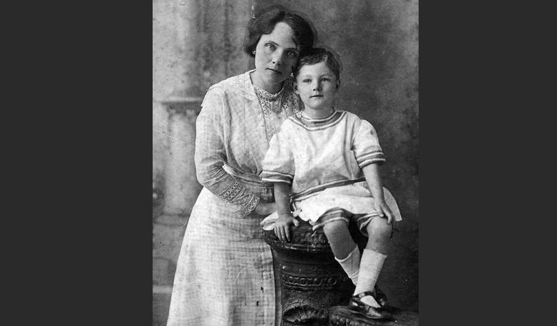 Бобби Данбар с мамой