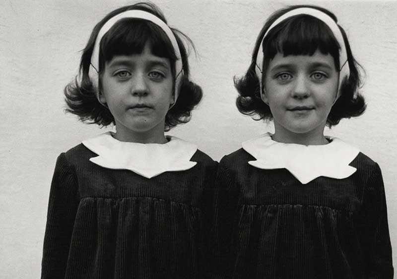 Как погибшие девочки вернулись в облике близняшек