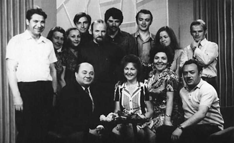 Некоторые советские дикторы становились настоящими звездами телевидения
