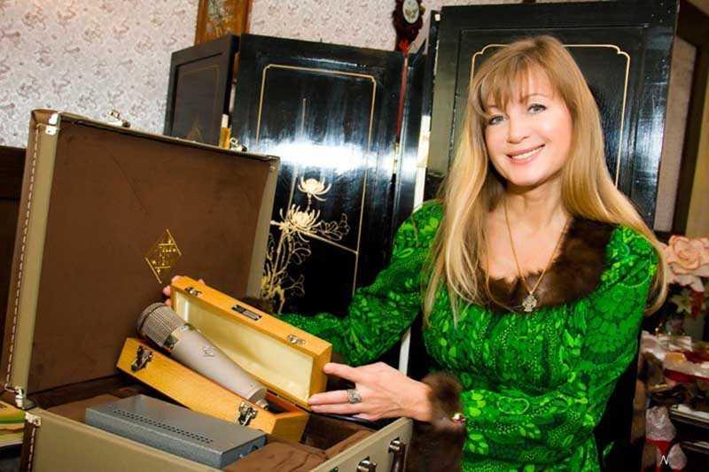 Цыганова приезжала в Крым, выступала там с бесплатными концертами в Севастополе, на Донбассе для поддержки населения.