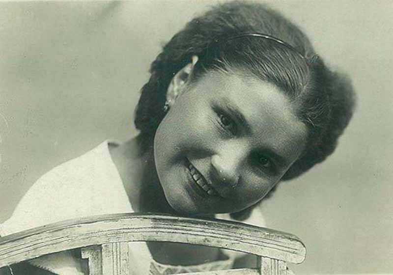 Агата Чехович — так звали эту девушку при рождении