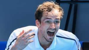 Даниил Медведев вышел в полуфинал Australian Open 2021