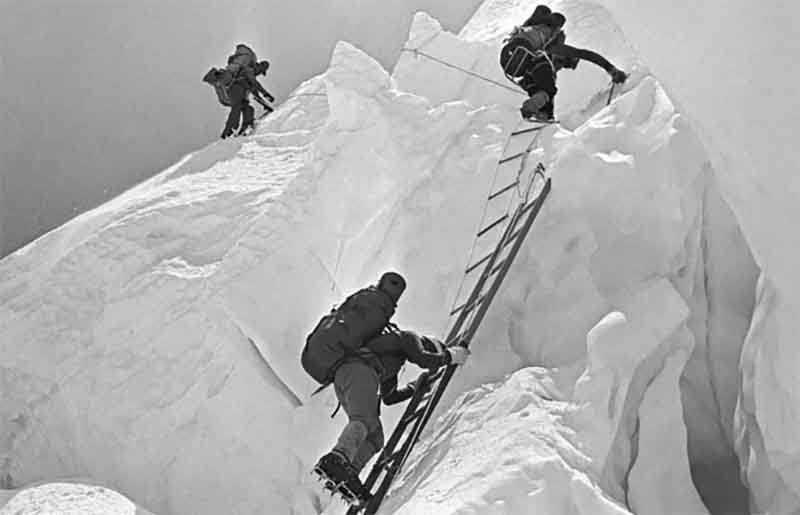 Как альпинистам СССР удалось совершить восхождение на Эверест по самому трудному склону