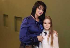 Дочери Абдулова Жене сейчас 14 лет, она учится в школе