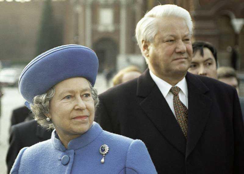 Курьезы во время визита Елизаветы Второй в Россию?
