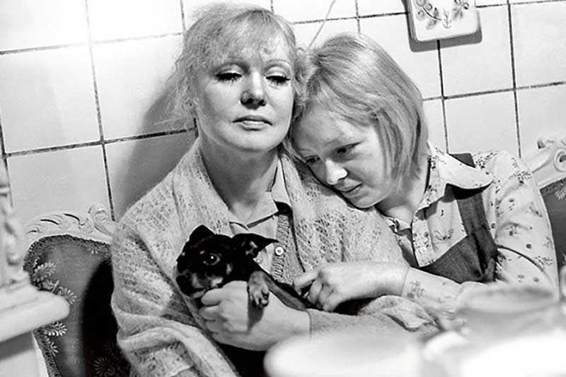 Пока Гурченко успешно строила свою карьеру, Мария жила обычной жизнью.