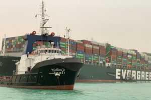 Транспортные компании запросили транзит через Россию для перевозки товаров вместо Суэцкого канала