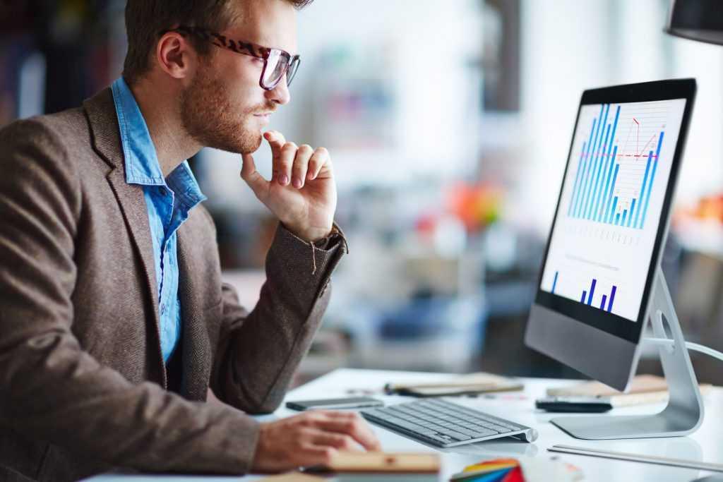 Минцифры обязует зарубежные компании платить НДФЛ за наем российских IT-специалистов