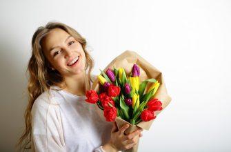 В России предложили выплатить женщинам на 8 марта 13-ю зарплату