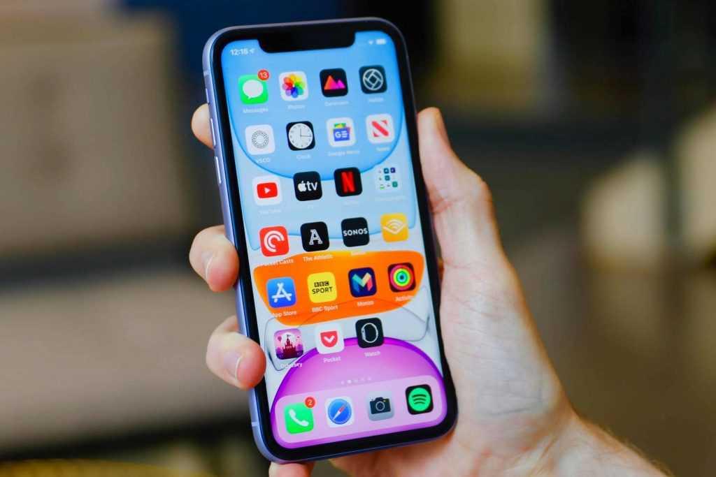 Руководство Apple согласилось устанавливать российское ПО на свои смартфоны