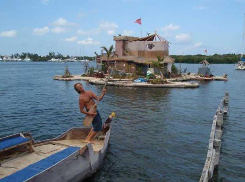 Ричард еще в детстве мечтал о том, что у него когда-то будет персональный остров, на котором он будет жить.