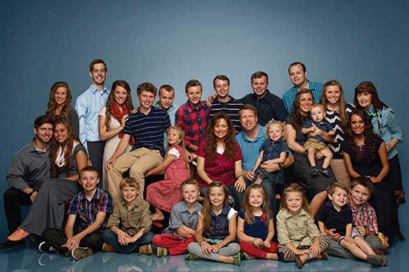 Супруги Даггар воспитывают 19 детей.