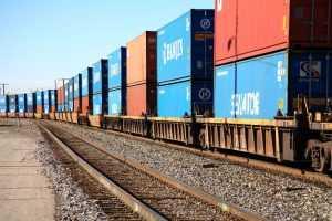 Китай налаживает экспорт товаров по суше через Россию в Европу