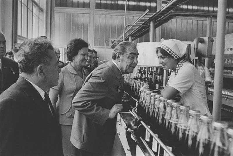 Продукция фирмы «Pepsi» проникла на рынок Советского Союза еще в 50-х годах прошлого века.