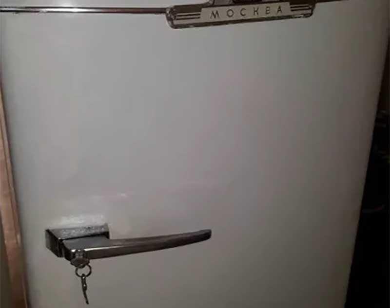 Зачем в СССР в холодильники встраивали замки?