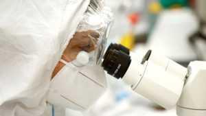 Российские ученые изобрели технологию, позволяющую обновить антиковидную вакцину, если вирус мутирует