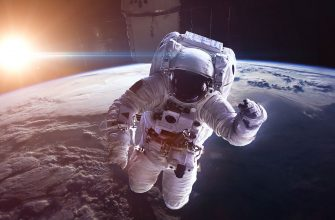 Российским космонавтом планируют повысить зарплаты