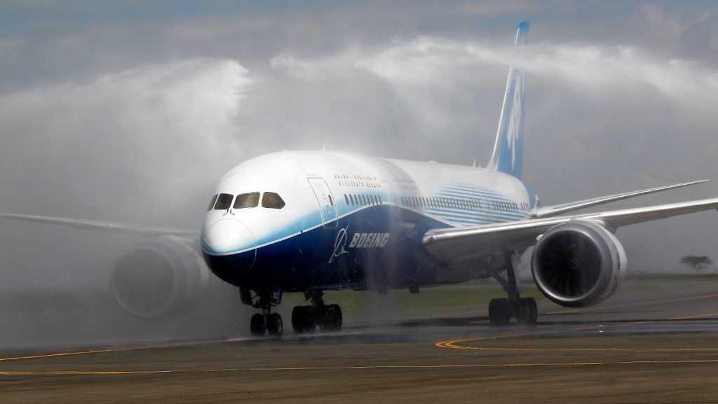 Экстренная посадка самолета из Японии в Новосибирске