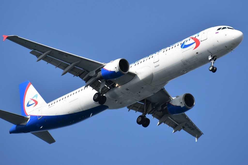 В аэропорту Симферополя аварийно сел самолет из Москвы