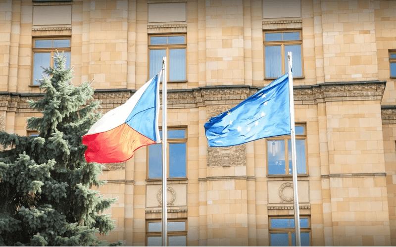 Песков заявил, что Россия не будет терпеть поведение Чехии, Болгарии и Прибалтики