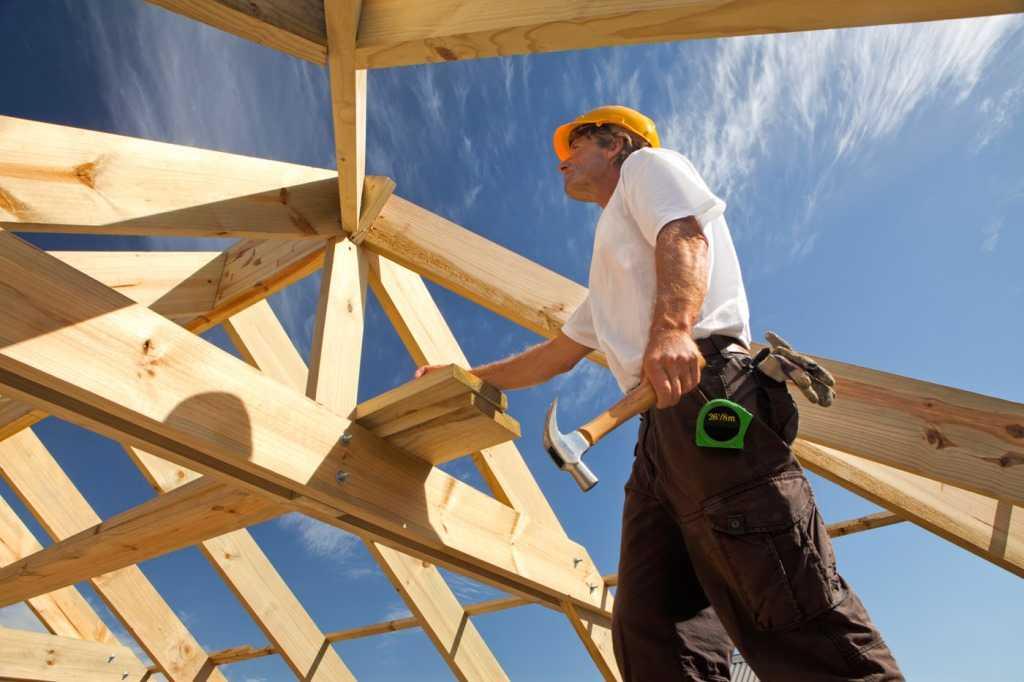 Ипотеку под 6% будут давать в России семьям с детьми на строительство дома