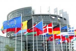 Европарламент призывает страны ЕС высылать российских дипломатов