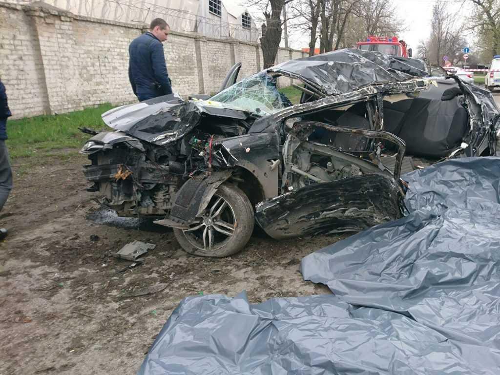Под Ростовом-на Дону в автокатастрофе погибло 5 подростков