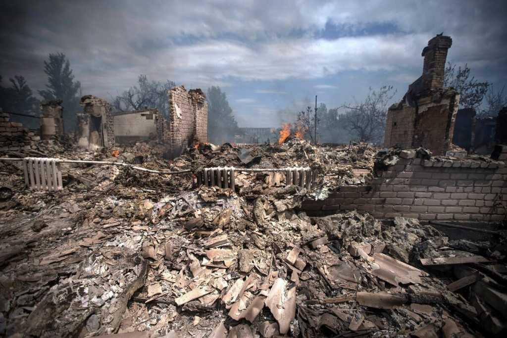 Зеленский предложил Путину встречу в Донбассе