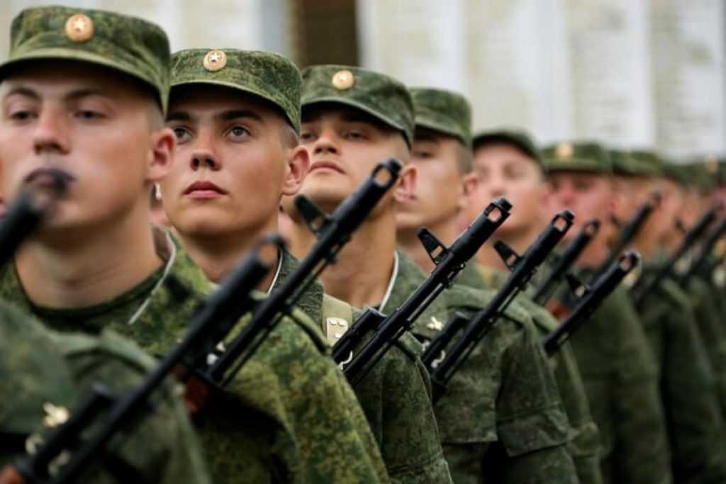 Повесток больше не будет. В России принимают новые правила воинского учета