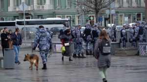 Более чем 100 иностранным лицам запретили въезд в Россию на 40 лет