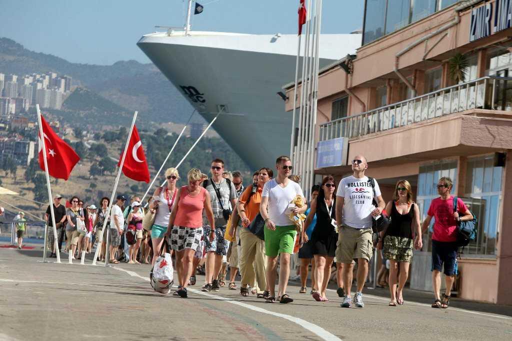 Вывоз российских туристов из Турции и Танзании завершили