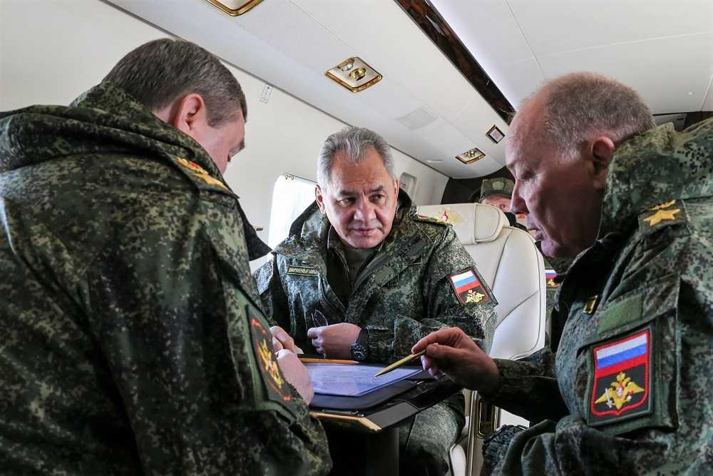Российские войска возвращаются с учений в Крыму