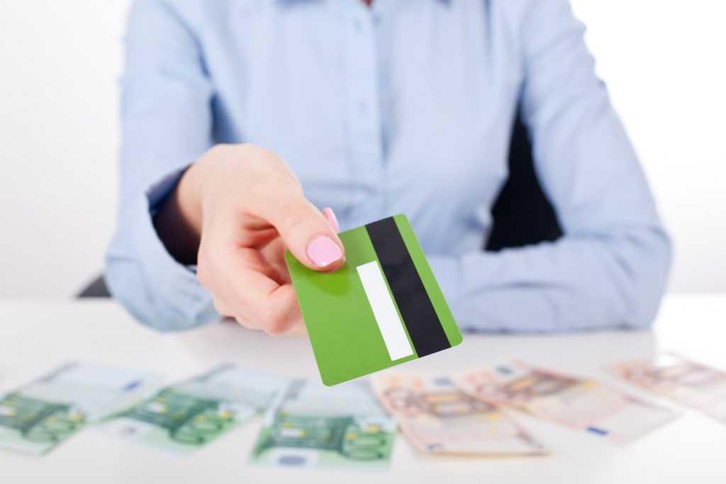 Граждане России взяли рекордно много кредитов в марте 2021 года