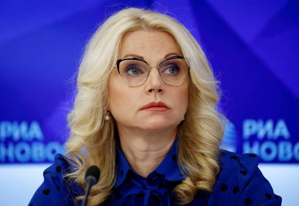 Голикова призвала работодателей выплатить зарплату до майских праздников