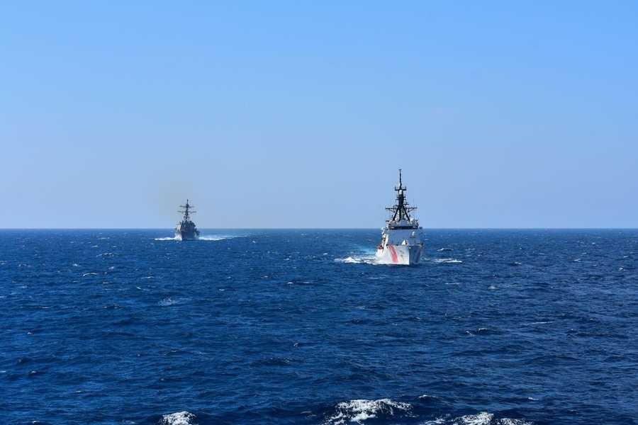 Американский катер ВМС направился в Черное море