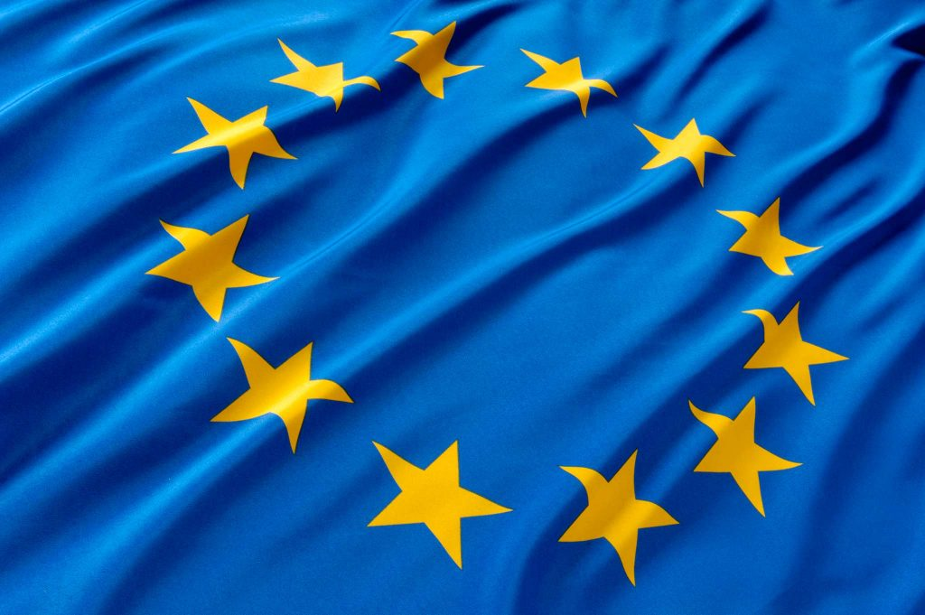 Экс-президент Эстонии предлагает заморозить визы россиян в Европу