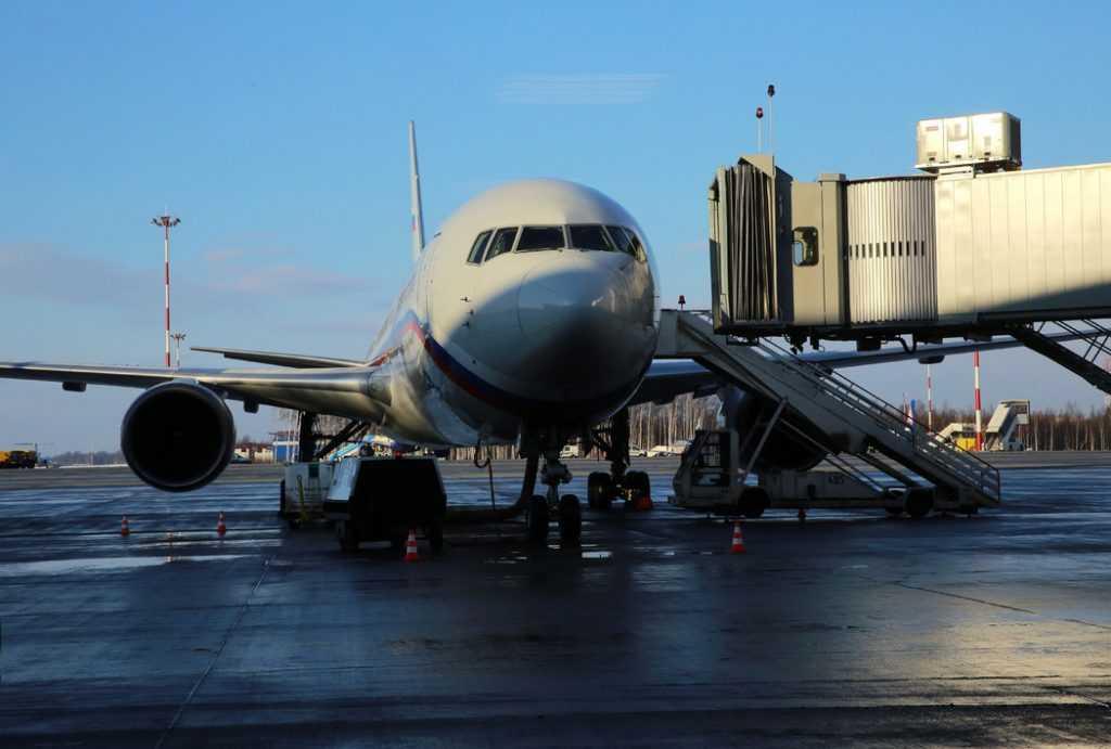 Возобновятся авиаперелёты между Ригой и Санкт-Петербургом