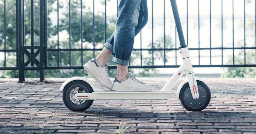 На электросамокатах будет можно ездить только в шлемах