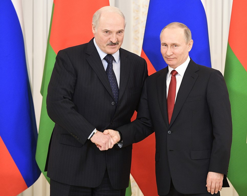 Путин может встретиться с Лукашенко в конце мая