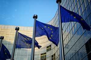 Еврокомиссия предложила пускать в ЕС иностранцев, привитых от коронавируса