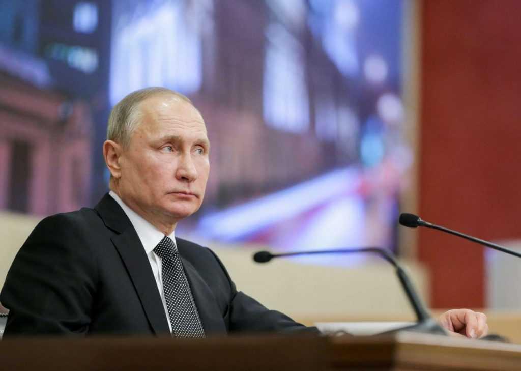 Путин уволил заместителя главы МЧС