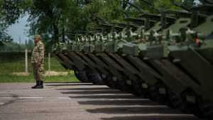 В честь Дня Победы в Киргизии на российской базе прошло шествие