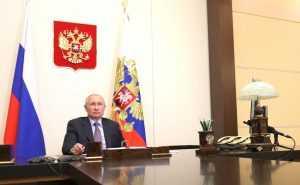 Президент России потребовал срочных мер по введению новых правил по обороту оружия