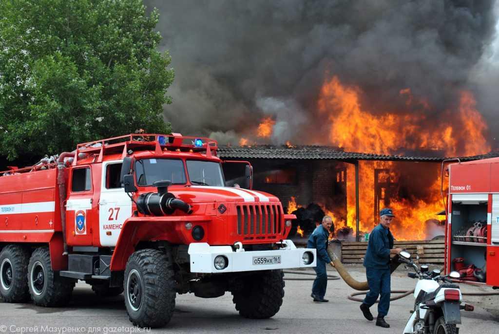 Вакансий для пожарных в России стало больше в два раза