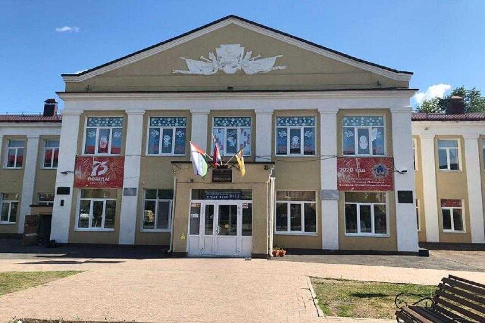 В городе Ишим Тюменской области эвакуированы все школы из-за сообщений о бомбах
